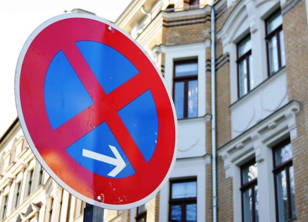 Eine Ausnahme gilt aber beispielsweise für Parkverstöße: Hier nimmt auch das deutsche Recht den Halter in die Verantwortung. copyright: pixabay.com