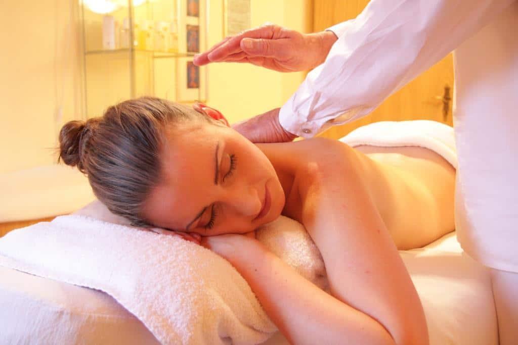 Entspannung pur bei einer Wohlfühl-Massage bei MYSSAGE copyright: pixabay.com