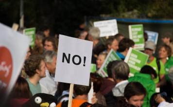In zahlreichen deutschen Städten (u.a. Köln und Berlin) gehen die User und Gegner der Reforn auf die Straße und demonstrieren gegen die geplanten Änderungen. copyright: pixabay.com (Symbolbild)