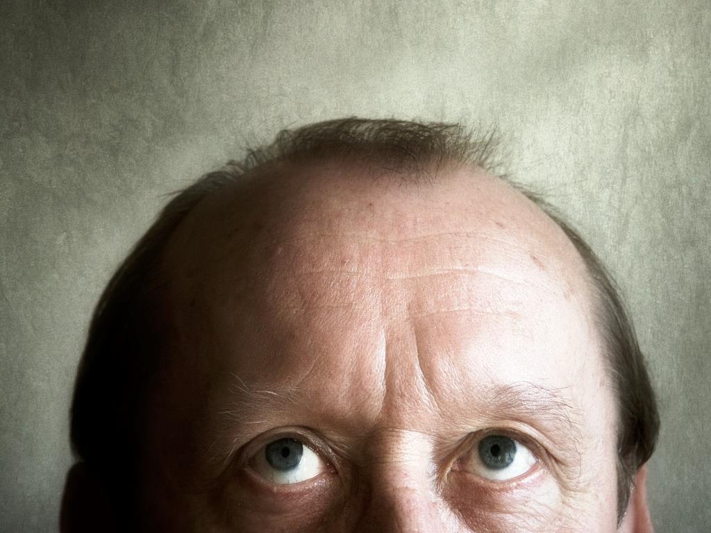 Die Maske für das Haar mit der Blattsäure und den Vitaminen in