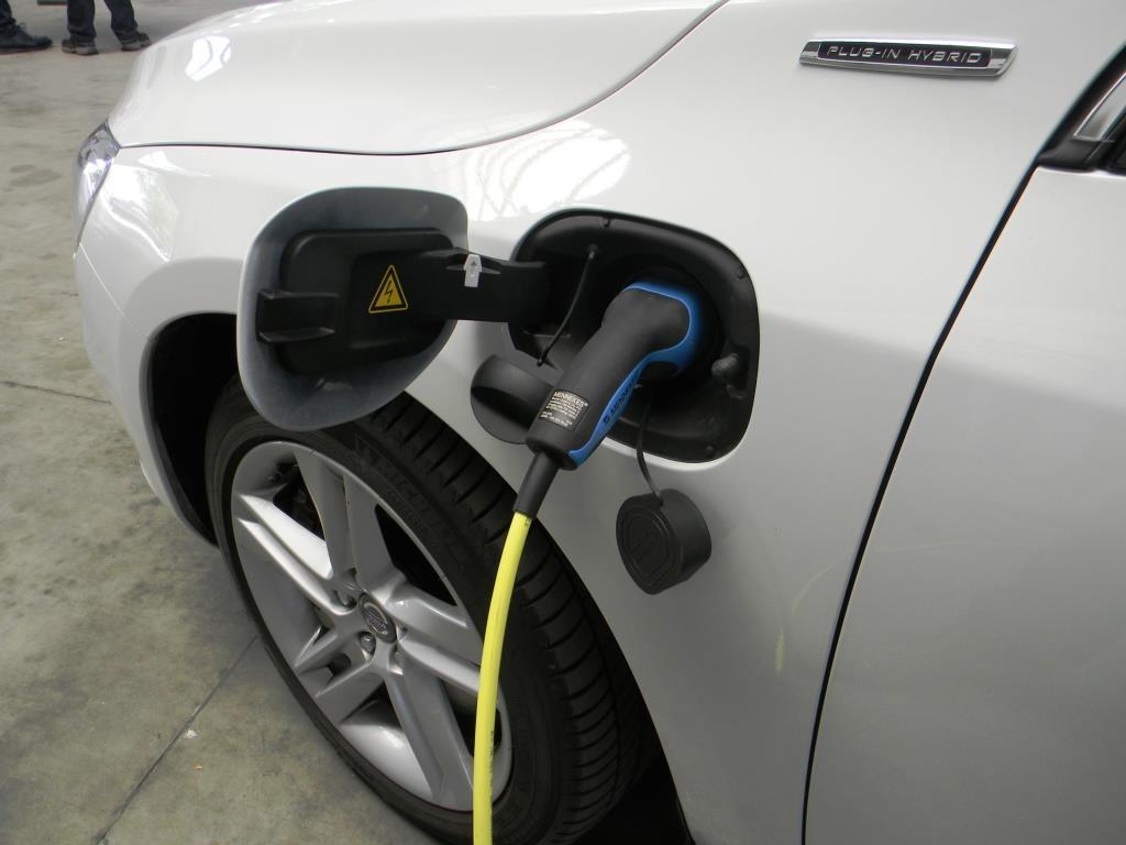 Gesteigertes Interesse an Elektro- und Hybridmodellen - Diese Elektro-Autos sind die beliebtesten copyright: Joannes Wiesinger / pixelio.de