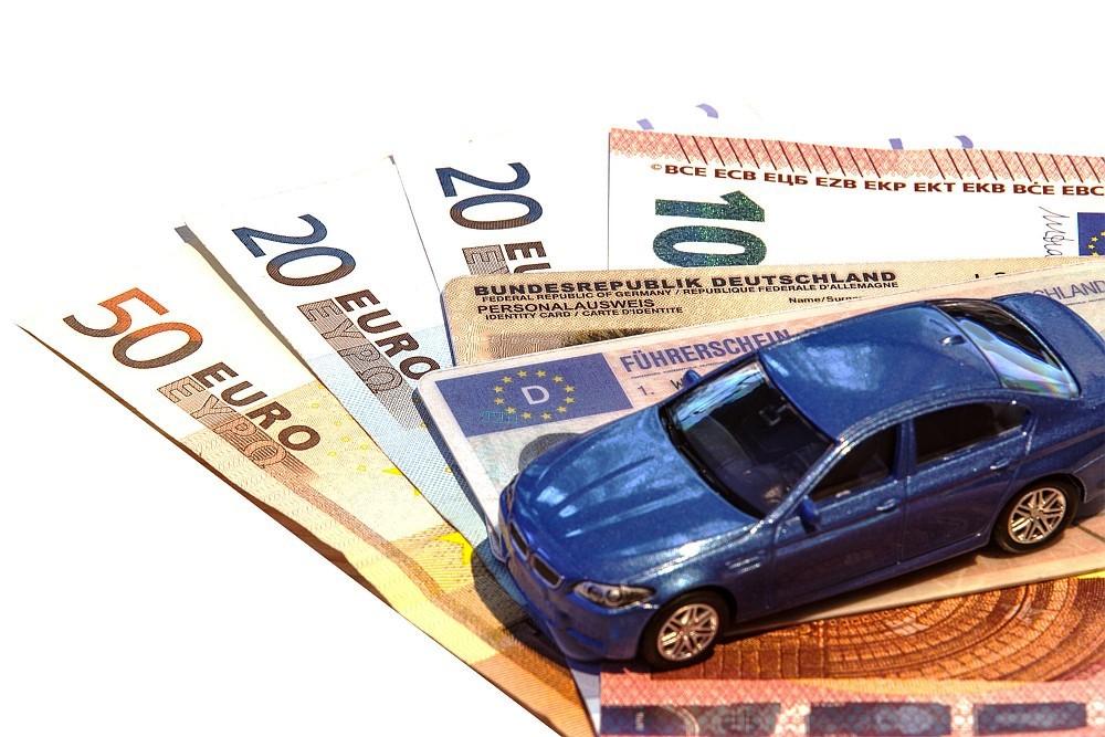 Zwischenbilanz: 1.791 Anträge für Kaufprämie für Elektrofahrzeuge beim BAFA gestellt copyright: Thorben Wengert / pixelio.de