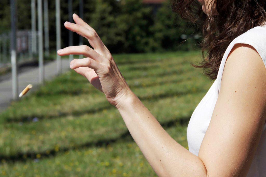 Teurer Müll – was, wenn ich Kaugummis oder Zigaretten auf den Boden werfe? copyright: Roland Rechtsschutz