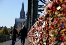 Ein Zeichen für die Liebe: Hängen Sie Ihr Liebesschloss auf! copyright: Alex Weis / CityNEWS