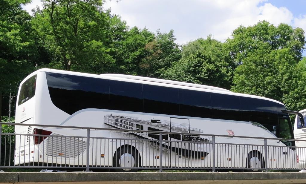 Komfortabel und sicher Reisen - zum Beispiel mit dem Bus copyright: pixabay.com