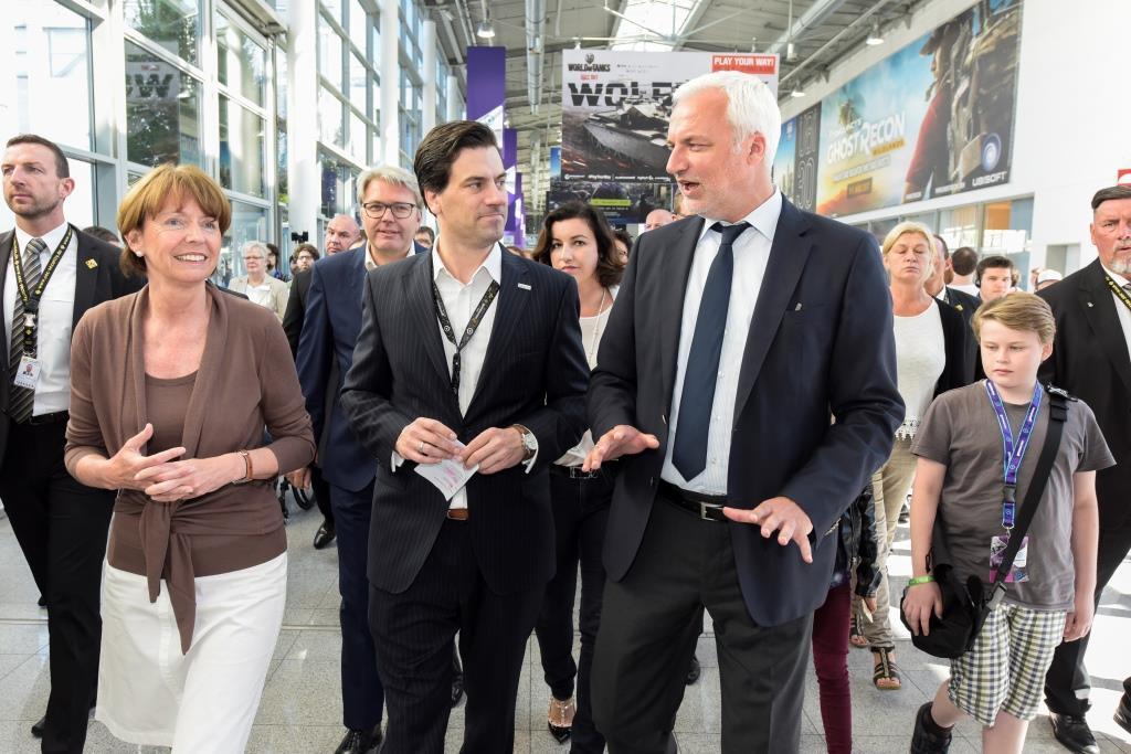 Reger Austausch unter den Gästen über die Games-Branche copyright: Koelnmesse GmbH, Uwe Weiser