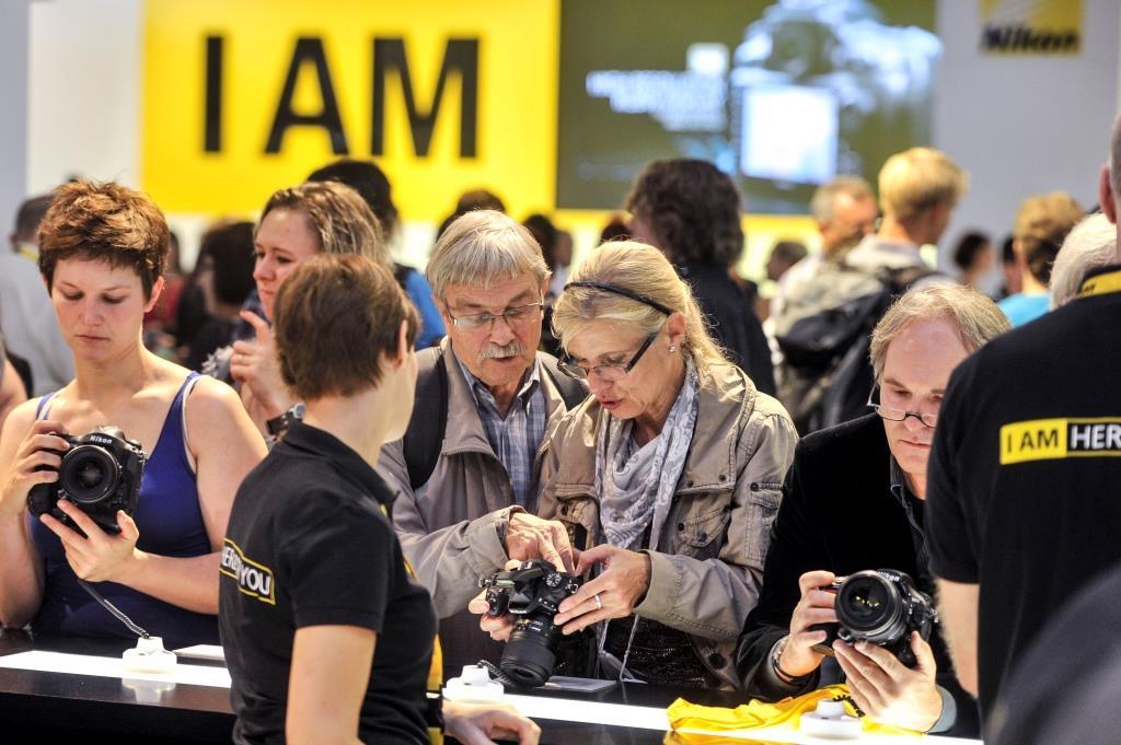 """Vom autonomen Fotoapparat zur vollvernetzten """"Camera of Things"""" copyright: Koelnmesse"""