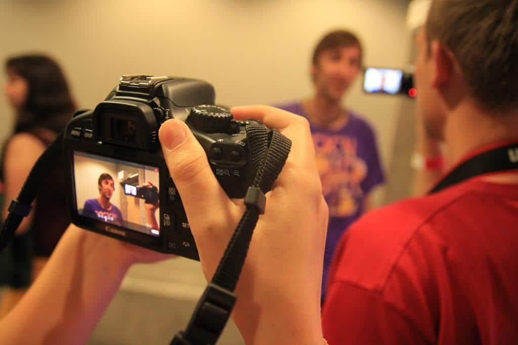 Die Befragten halten sich grundsätzlich für kompetent, Videos zu drehen und zu bearbeiten. copyright: pixabay.com