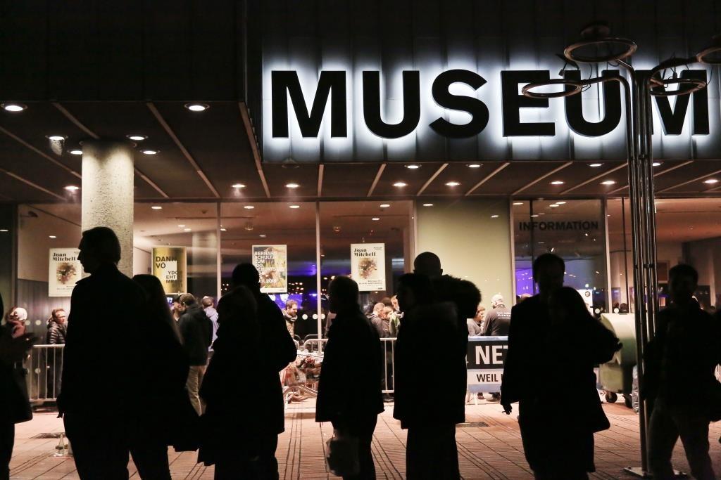 20.000 kulturbegeisterte Besucher strömten durch die Kölner Museumsnacht 2016 - copyright: Taimas Ahangari / StadtRevue Verlag Köln