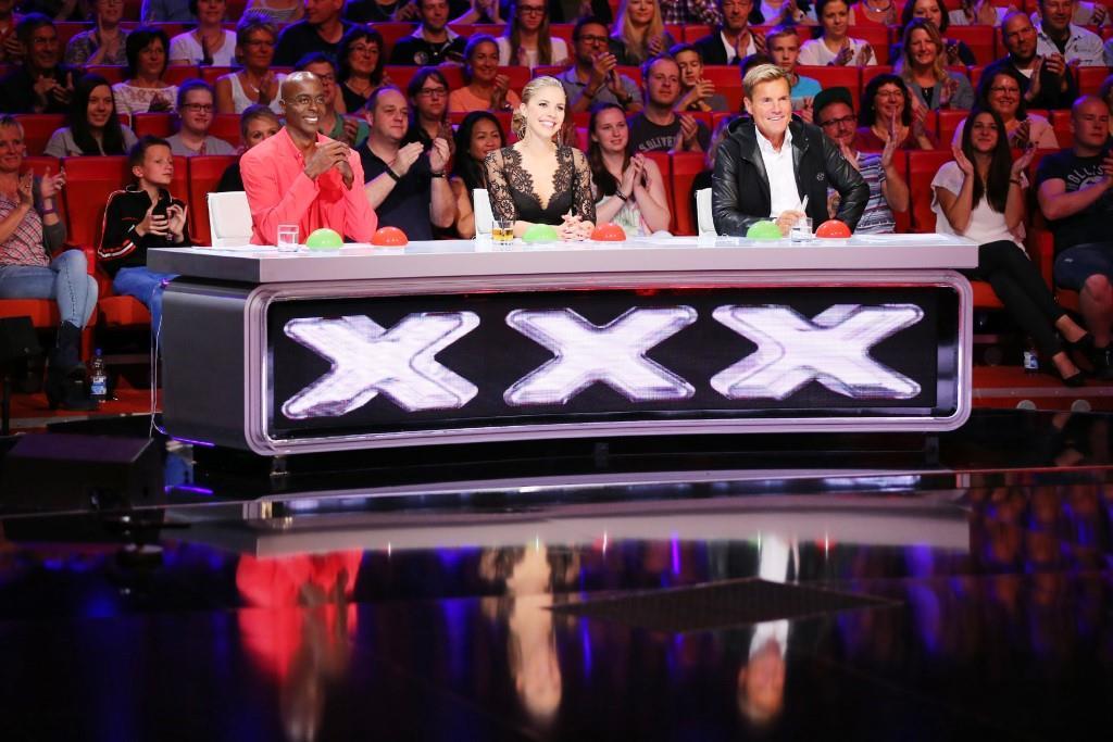 Bewertet werden die außergewöhnlichen Performances von der Supertalent-Jury. - Foto: RTL / Stefan Gregorowius