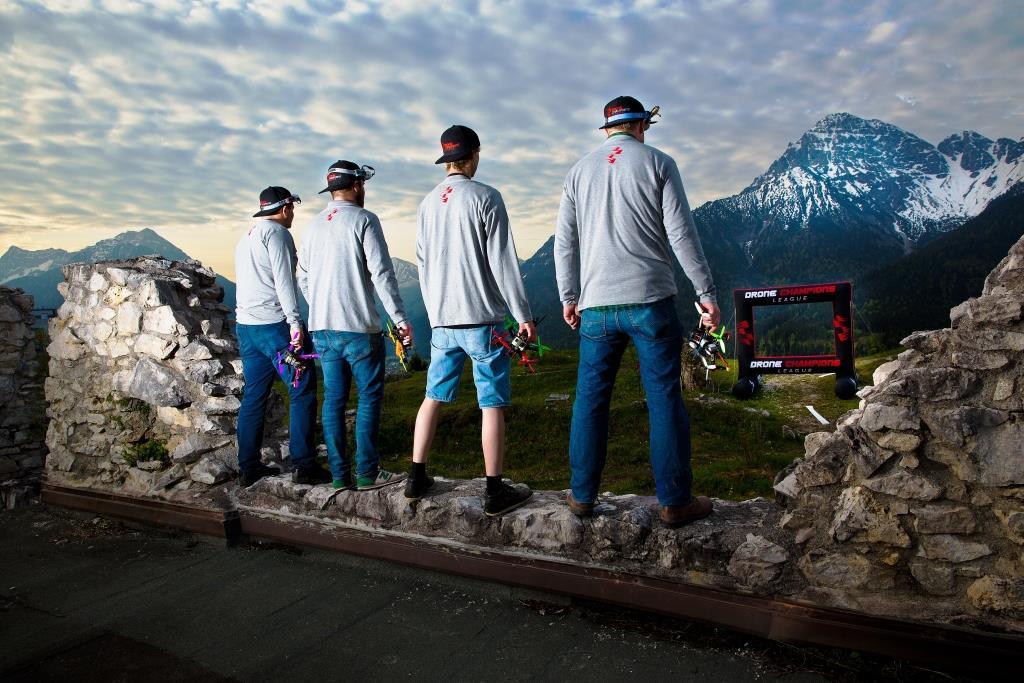 Drone Champions League: Fliege gegen die besten Piloten der Welt: virtuell und in echt! copyright: Matthias Glaetzle