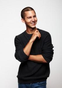 Leo Roland (Tim Oliver Schultz) - Foto: VOX / Benno Kraehahn