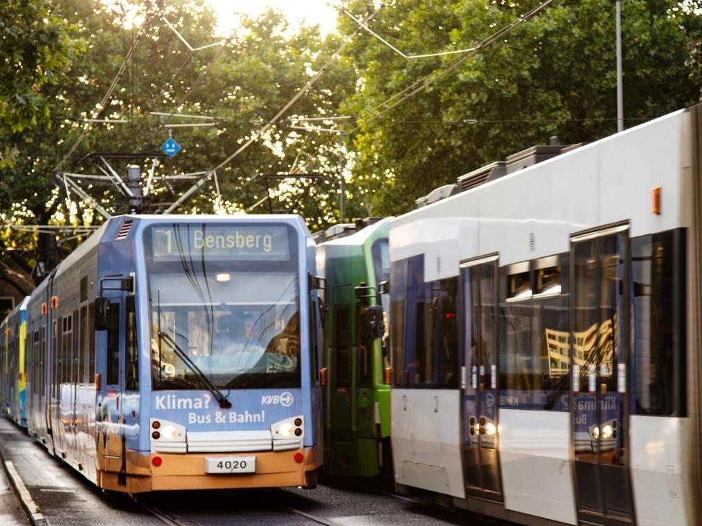 Am besten mit Bus und Bahn zu den Kölner Lichter 2017 anreisen. - copyright: Alex Weis / CityNEWS