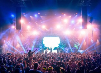Die internationale DJ-Elite mit Dyro, Nicky Romero, Yellow Claw bedient die Turntables beim Titania Festival in der Kölner LANXESS arena - copyright: PR