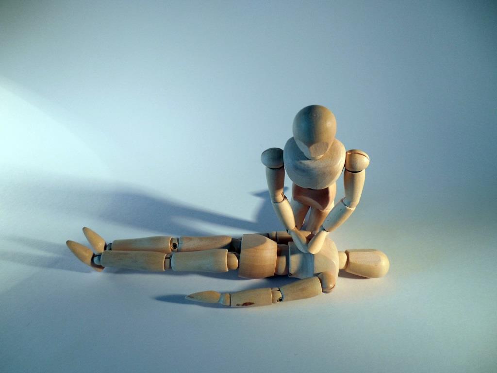 Die Rettungskette muss bei Arbeitsunfällen funktionieren - copyright: pixabay.com