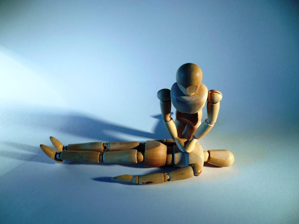 """""""Erste Hilfe"""": Im Notfall kühlen Kopf bewahren und alles ist besser als Nichts zu tun copyright: pixabay.com"""