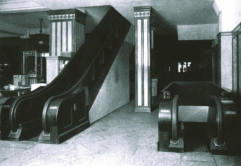 Schon damals wurden wegweisende Konzepte für ein innovatives Kaufhaus gesetzt. Die 1. seinerzeit sehr bestaunte Rolltreppe Deutschlands ist dabei nur ein kleiner Markstein. - copyright: GALERIA Kaufhof GmbH