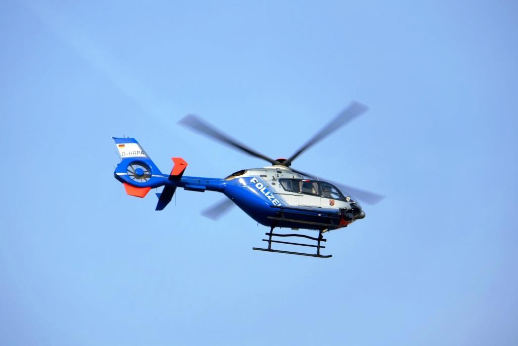 Die Polizei Köln hat auch einen Hubschrauber über dem Demo-Geschehen im Einsatz. (Symbolbild) copyright: pixabay.com
