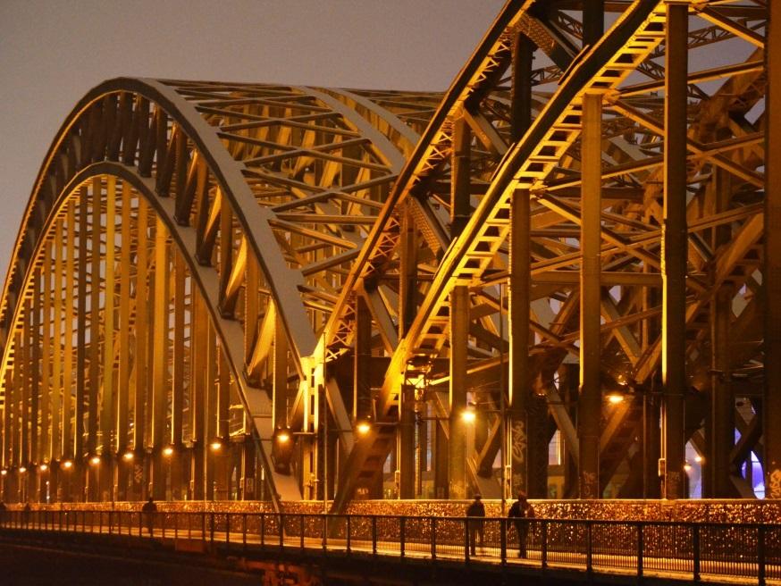 Kölns Hohenzollernbrücke in der Vorreiterrolle copyright: pixabay.com