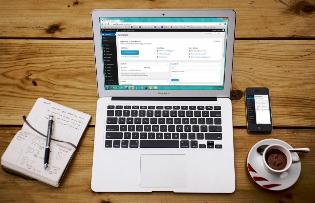 Vom responsiven Layout über ein verständliches Shop-System bis hin zum Webseitentext sollte alles aufeinander abgestimmt sein. copyright: pixabay.com