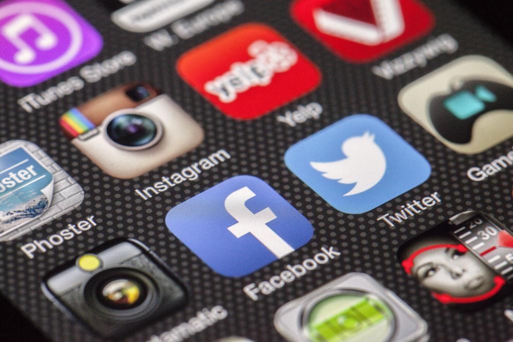 Facebook, Instagram oder Snapchat: Welche Bilder dürfen gepostet werden? - copyright: pixabay.com