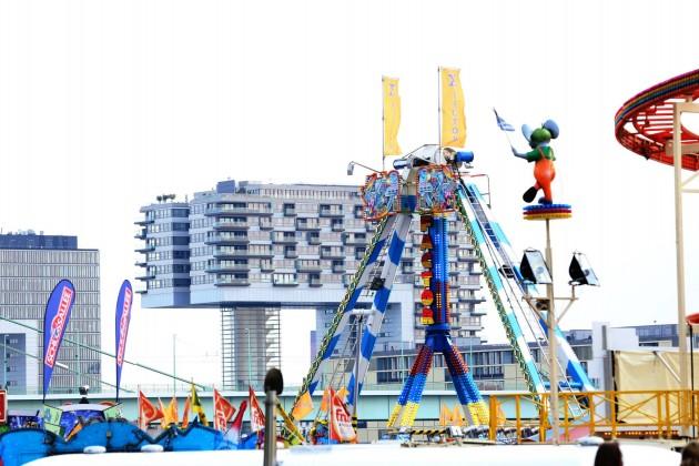 Auf Kölns größter Kirmes - dem Frühlingsvolksfest in Köln-Deutz - drehen sich vom 15.04. bis 01.05.2017 die Karussells wieder! - copyright: Alex Weis / CityNEWS