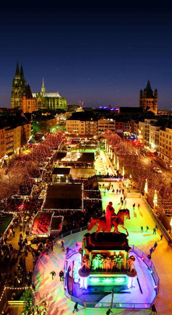 Jedes Jahr fiebern Kölner und Besucher der Domstadt dem Moment entgegen, wenn der größte und älteste Weihnachtsmarkt der Stadt seine Pforten öffnet. - copyright: Wihnachtsmarkt Kölner Altstadt