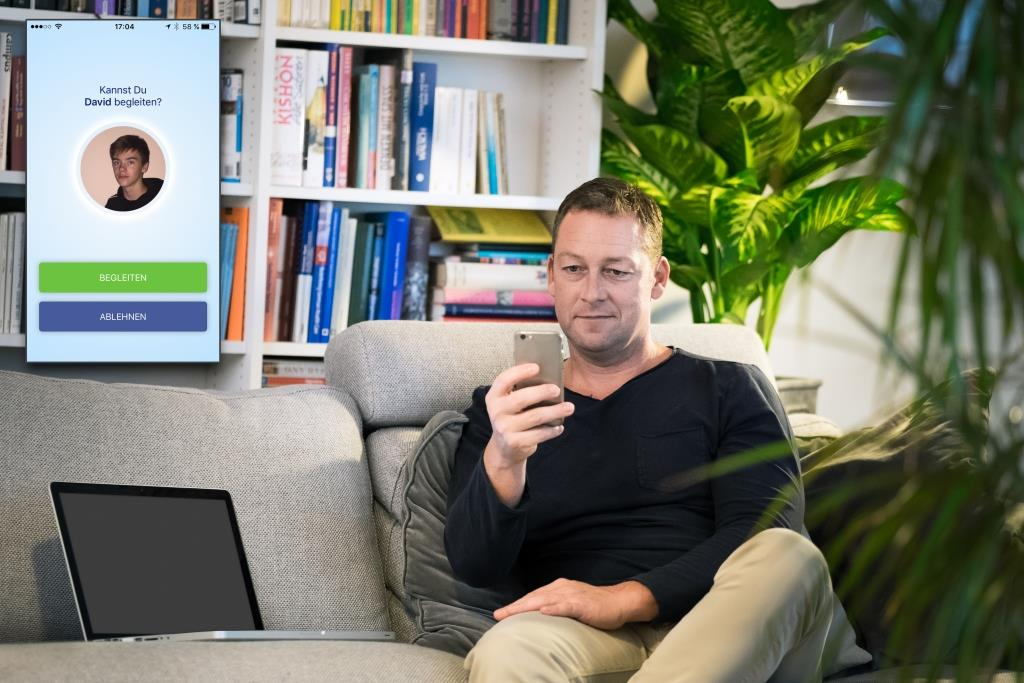 Pünktlich zum Beginn der dunklen Jahreszeit ist die Begleit-App nun deutschlandweit für jeden kostenfrei zum Download verfügbar. - copyright: AXA