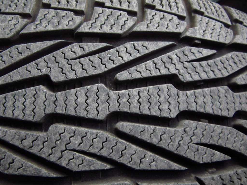 Reifen mit Beschädigungen gewährleisten keine ausreichende Sicherheit. - copyright: pixabay.com
