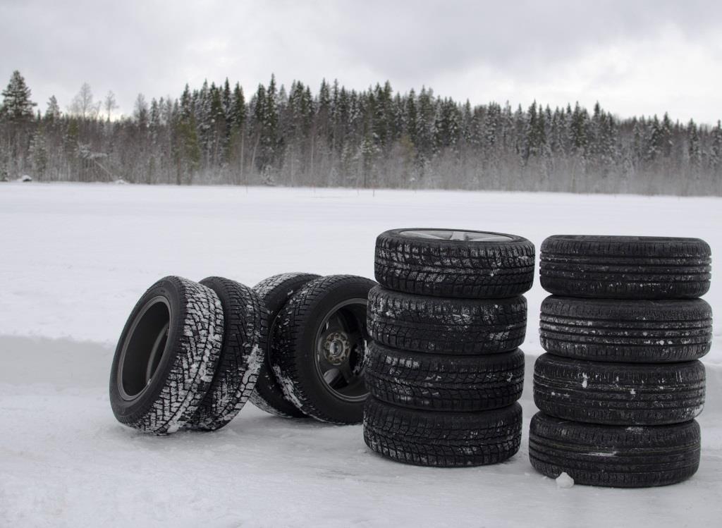 Winterreifen: Beim Kauf auf Schneeflockensymbol achten - Profiltiefe sollte mindestens vier Milimeter betragen - copyright: pixabay.com