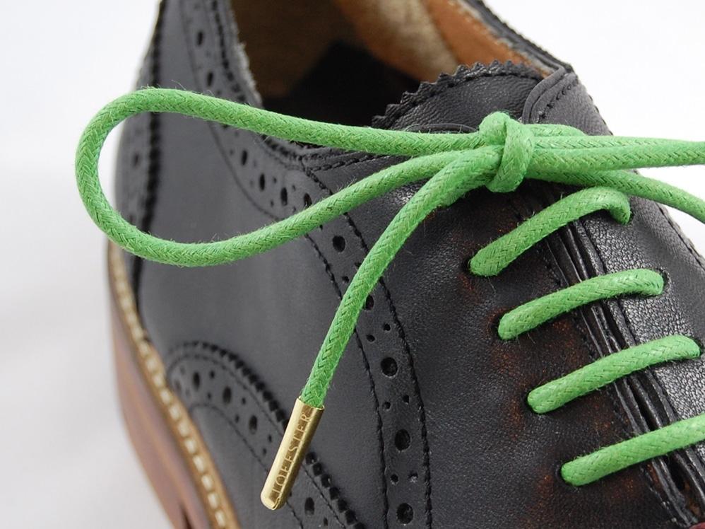 Konfigurieren Sie Ihre Schuhe mit farbigen Senkeln - copyright: www.toffster.com
