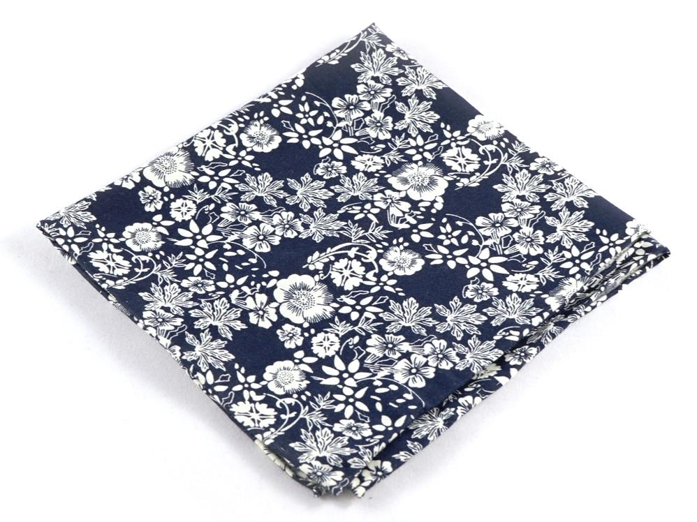 Das Tuch steckt Mann locker in die Tasche - copyright: www.toffster.com