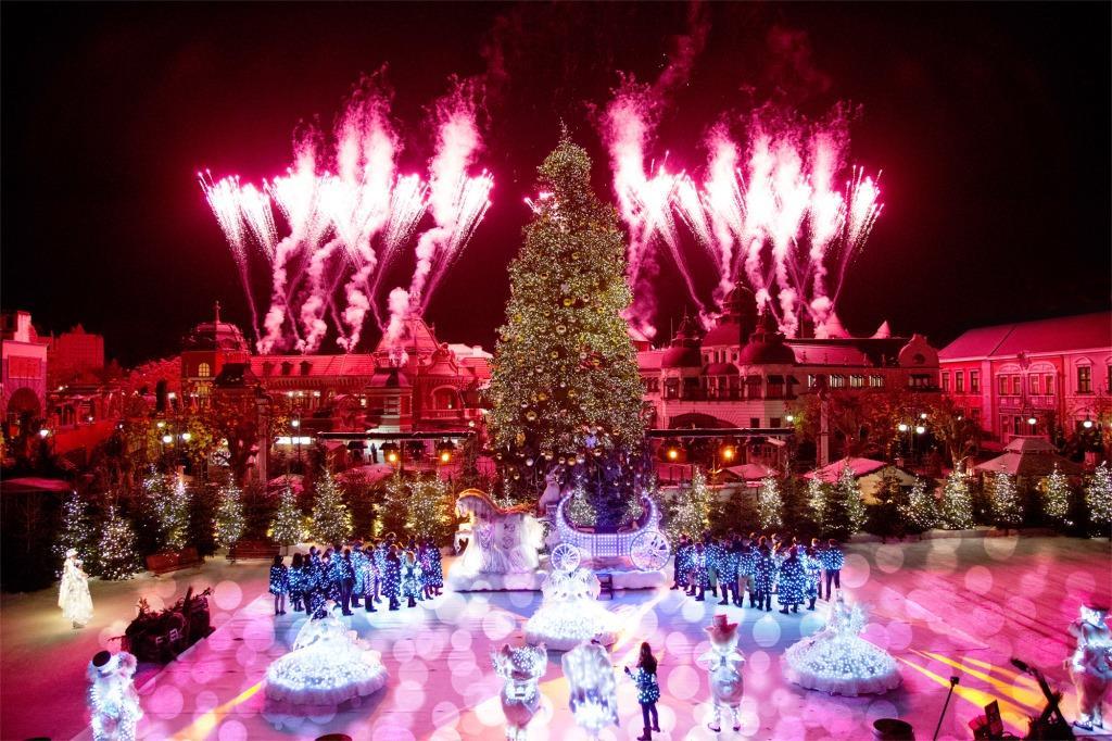 Jedem Abend findet im Phantasialand ein großes Feuerwek statt - copyright: Phantasialand
