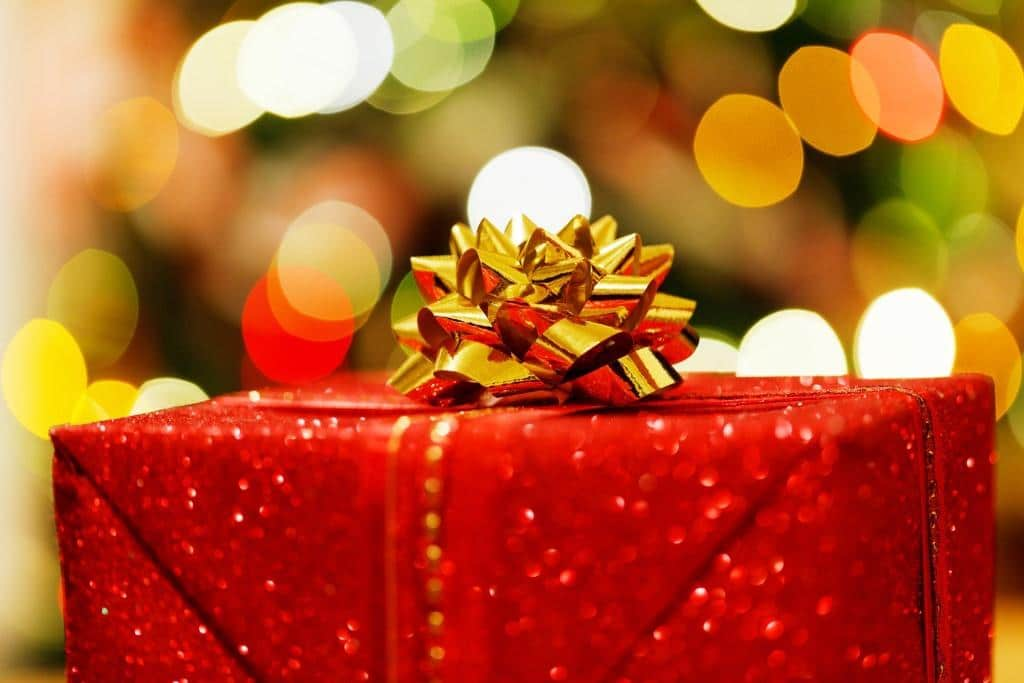 Spenden Sie Weihnachtspakete mit haltbaren Lebensmittel für Bedürftige an die Kölner Tafel - copyright: pixabay.com