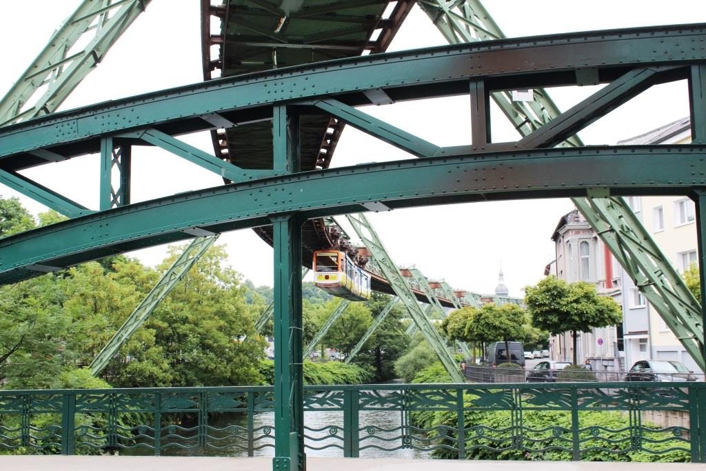 Wuppertal – da ist die Schwebebahn beim Dreh ein Muss - copyright: pixabay.com