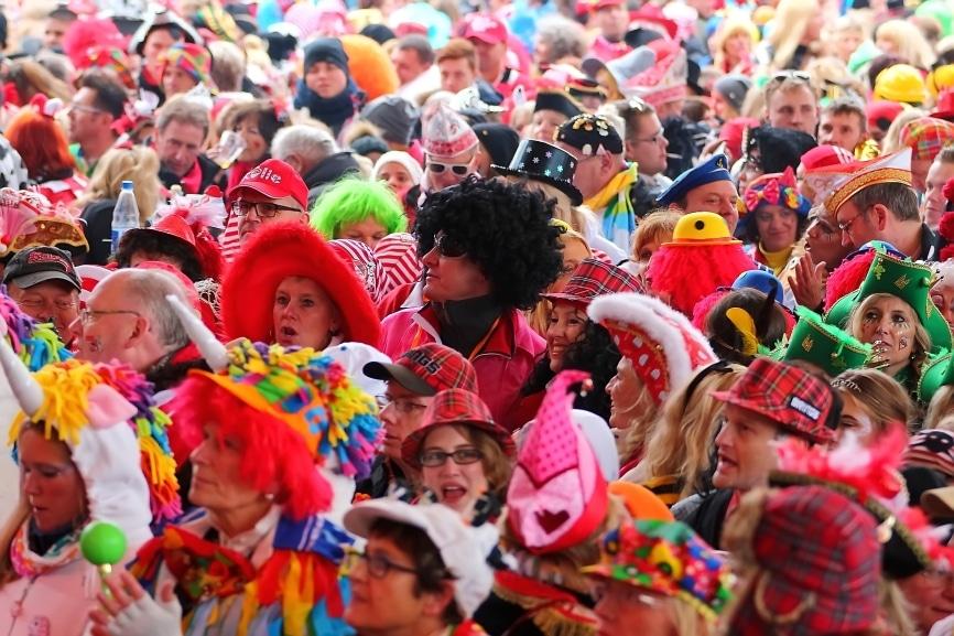 Rund 1,5 Millionen Jecke feiern den Rosenmontag in Köln - copyright: CityNEWS / Thomas Pera