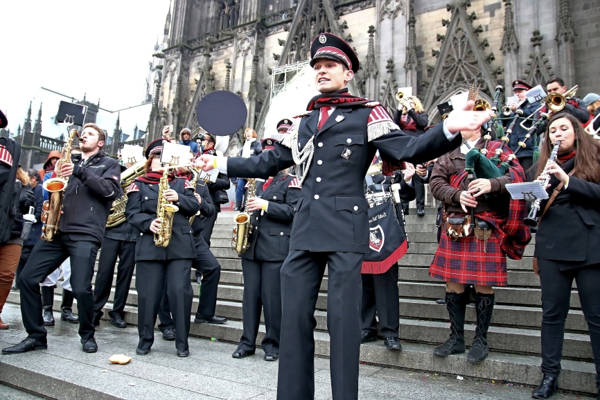 Flashmob vor dem Kölner Dom  - copyright: Thomas Pera