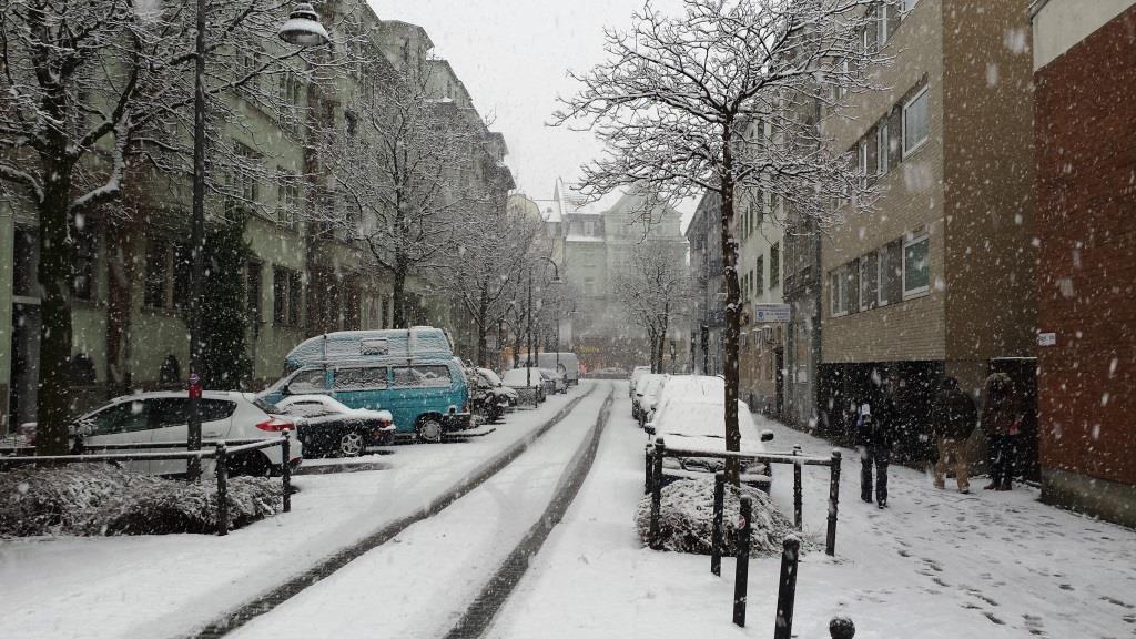 Wer in der kalten Jahreszeit auf Nummer sichern fahren will, sollte nicht auf Winterreifen verzichten. - copyright: pixabay.com