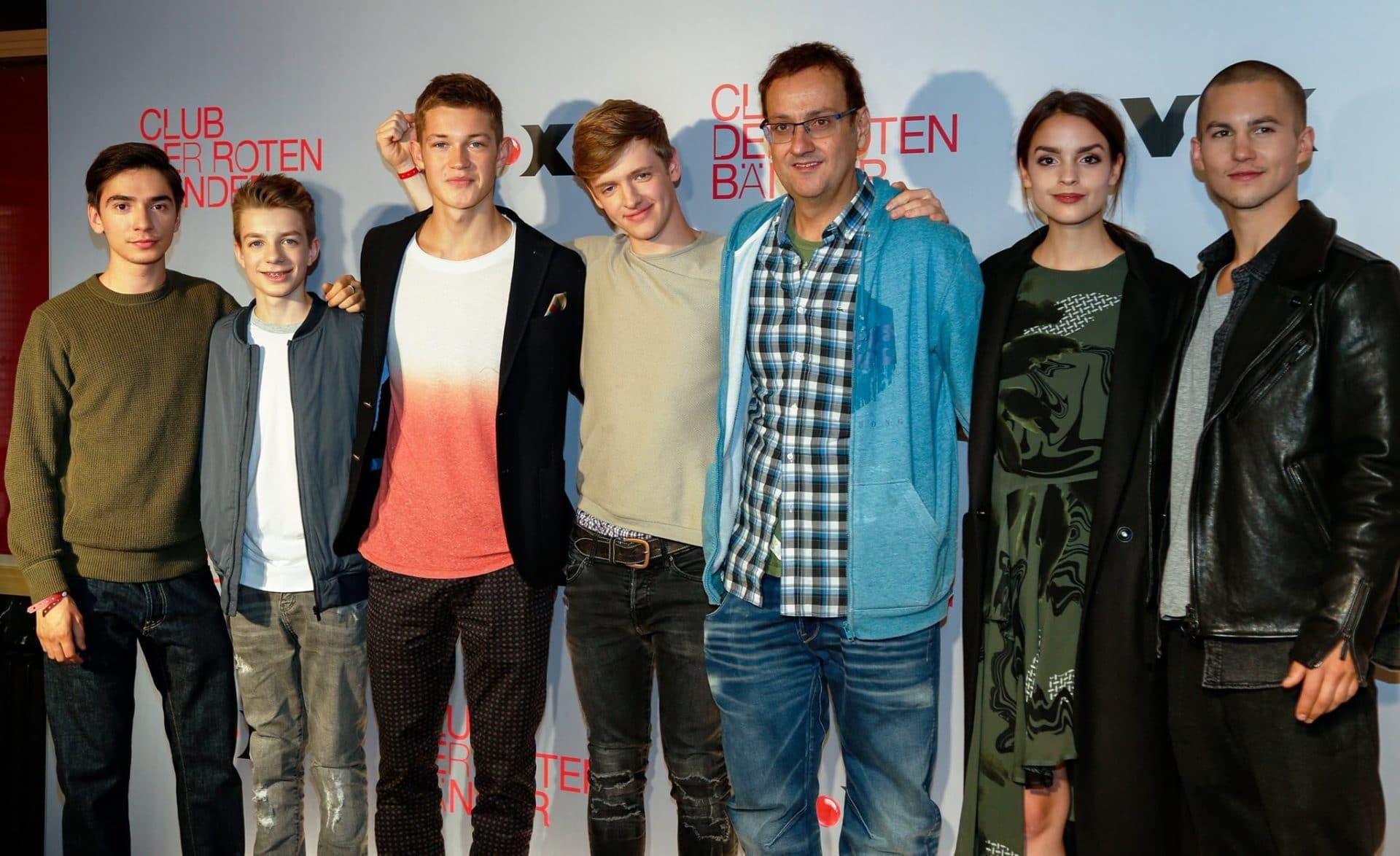 """Albert Espinosa mit den Schauspielern von """"Club der roten Bänder"""" - copyright: CityNEWS / Alex Weis"""