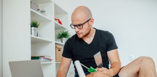 """Do it yourself"" per Internet: Ein Trend mit rechtlichem Risiko - copyright: jakubzak / Fotolia"