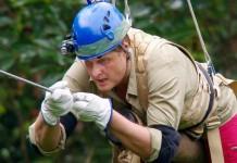 Tag 9 im Dschungelcamp: Jens und Marc hängen in der Dshungelprüfung in den Seilen und Markus Majowkski muss gehen - Foto: RTL Alle Infos zu Ich bin ein Star - Holt mich hier raus! im Special bei RTL.de