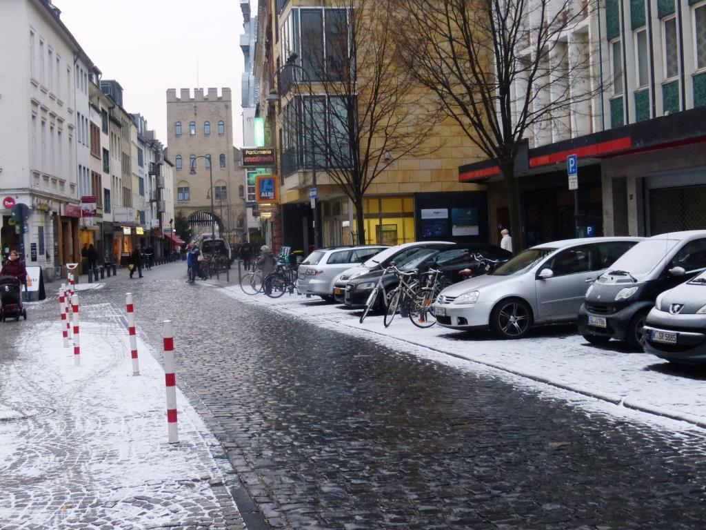 Die Severinstraße in der Kölner Südstadt durchlebte in der Vergangenheit aufgrund des Baus der U-Bahn und des Einsturzes des Stadtarchivs eine schwierige Phase. - copyright: CityNEWS / Heribert Eiden