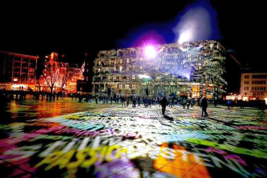 Bereits konnte man sehen, wie Licht mit den Fassaden spielt. copyright: CityNEWS / Thomas Pera