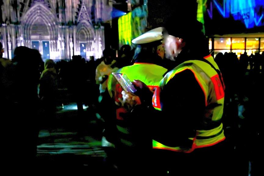 Die Polizei wird kritische Bereiche rund um den Kölner Dom verstärkt kontrollieren. copyright: CityNEWS / Thomas Pera