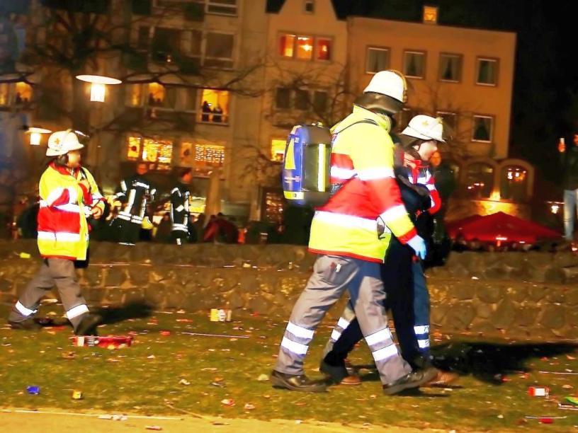 Die Kölner Rettungsdienste sind im Dauereinsatz. copyright: CityNEWS / Thomas Pera