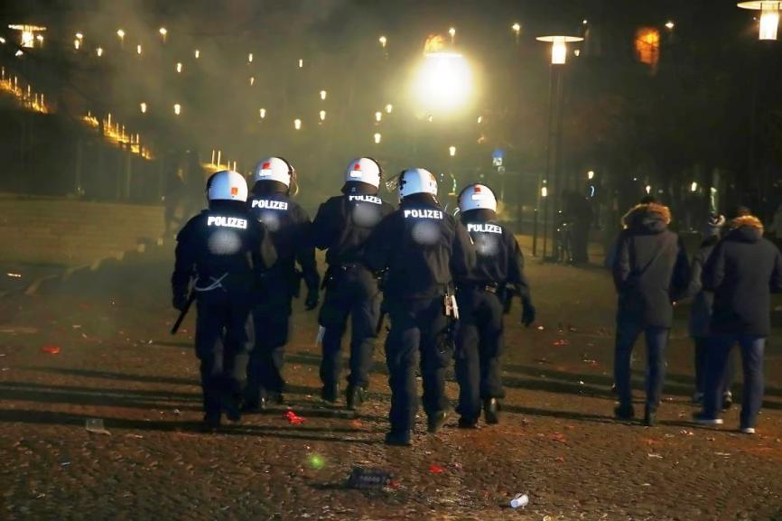 Am Abend verlagerte sich das Einsatzgebiet der Kölner Polizei von der Altstadt auf die Feiermeilen copyright: CityNEWS / Thomas Pera (Symbolbild)