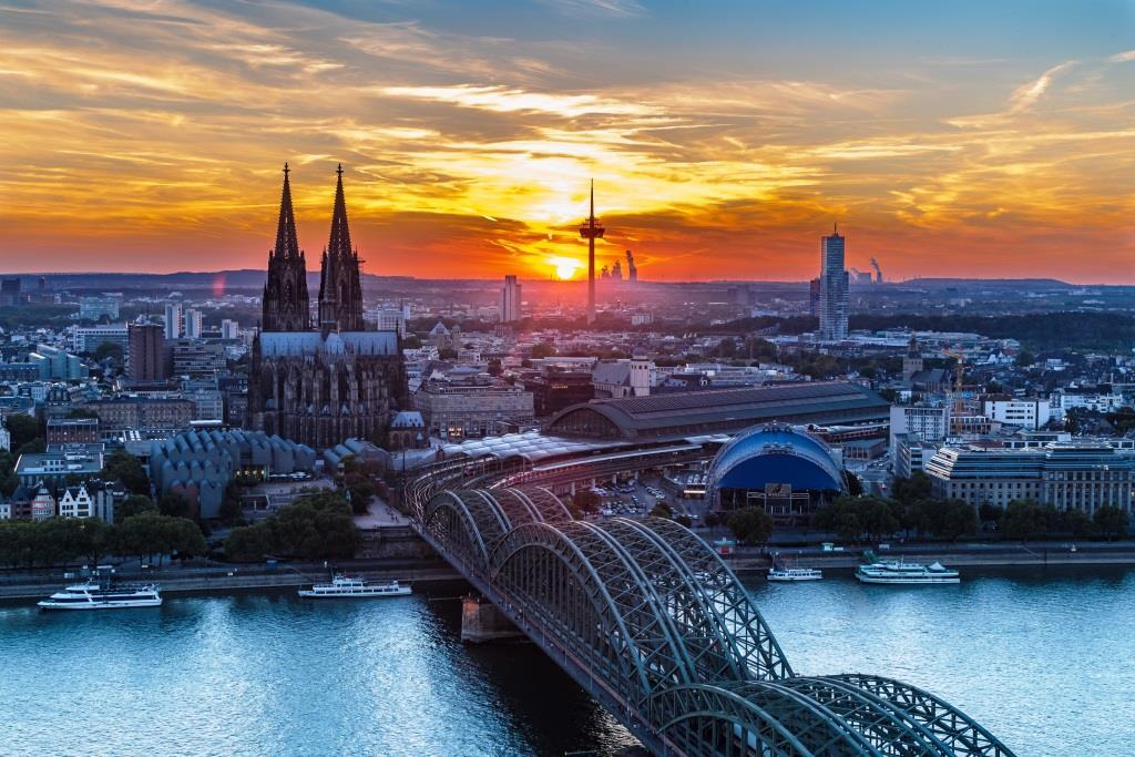 Köln wächst rasant – und kriegt, dankt vieler Berufspendler und Großbauprojekte, das Verkehrschaos nicht in den Griff. - copyright: pixabay.com