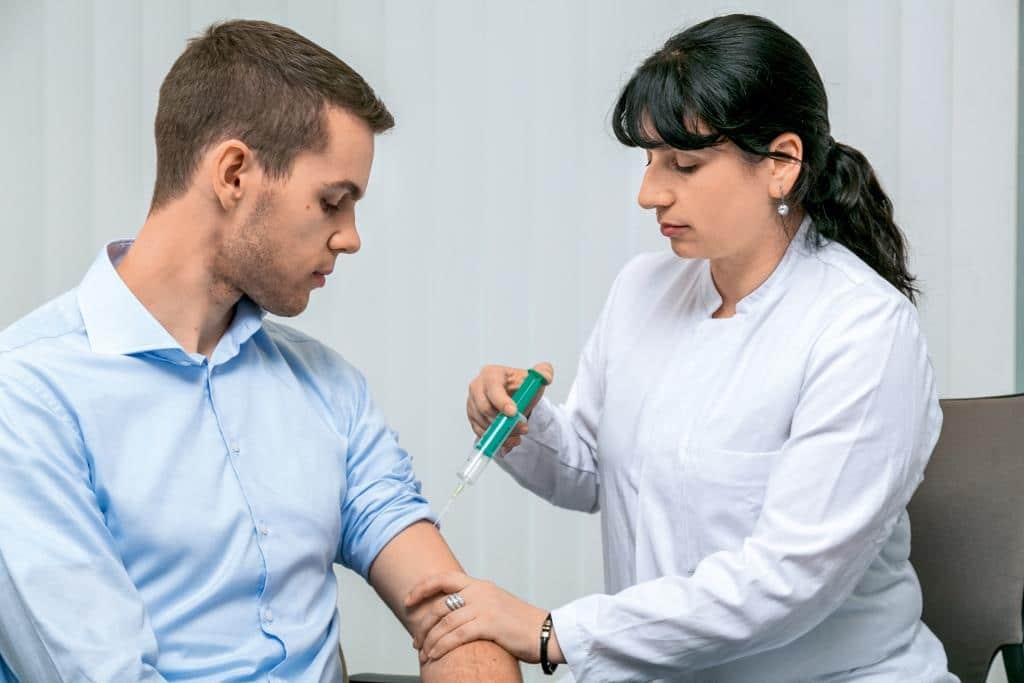 Starke Grippewelle im Anmarsch: Jetzt noch gegen Influenza-Viren impfen - copyright: TÜV Rheinland AG