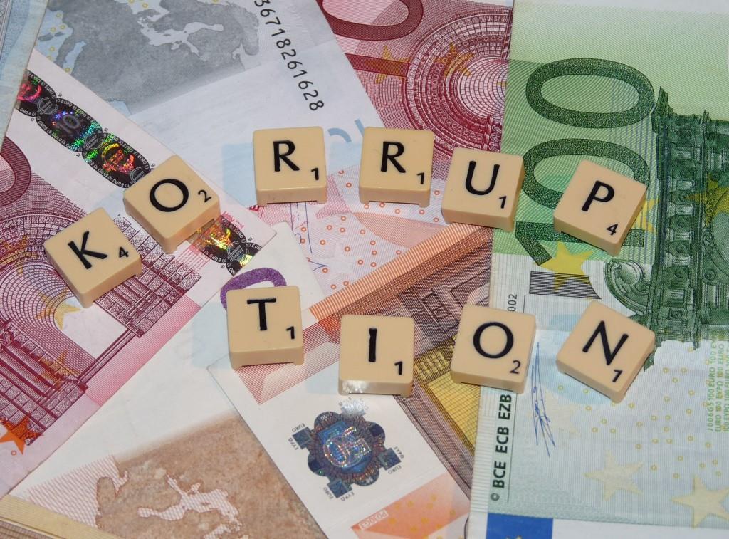 Stadt Köln leitet Untersuchung ein: Verdacht auf Korruption und Bestechung bei städtischer Mitarbeiterin - copyright: Dieter Schütz  / pixelio.de