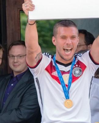 Lukas Podolski sammelt Spenden für den guten Zweck copyright: CityNEWS / Alex Weis
